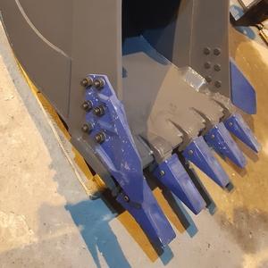 Ковш стандартный SB-2.1, 3 с бокорезами для экскаватора Doosan S220LC