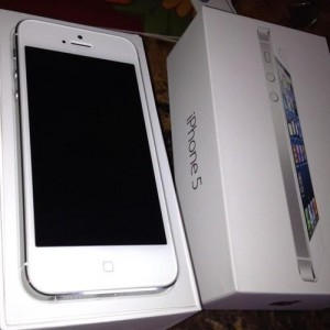 For Sale Apple iphone 5 buy 2 get 1 Free